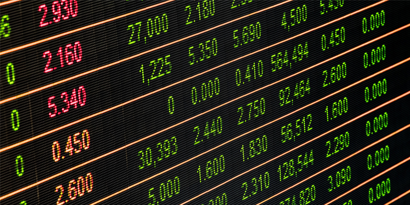 Close Communications: Hedge Funds, Brokers and the Emergence of Herding
