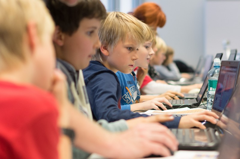 BIS students mentor CoderDojo classes