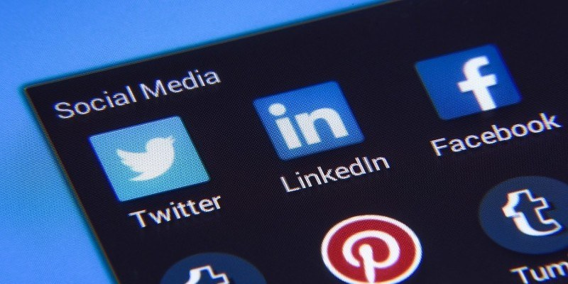 Why social media is depressing the rich